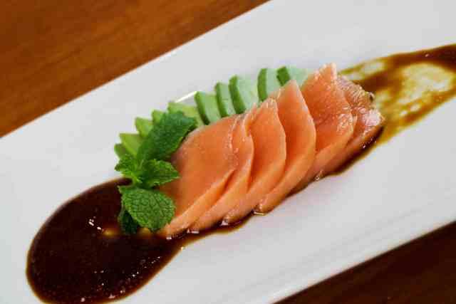 Sashimi salmon 1